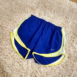 Nike Fit Dry Active Shorts Size Medium